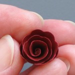 How-to-Make-a-Scalloped-Spiral-Rose_ArticleImage-CategoryPage_ID-825828