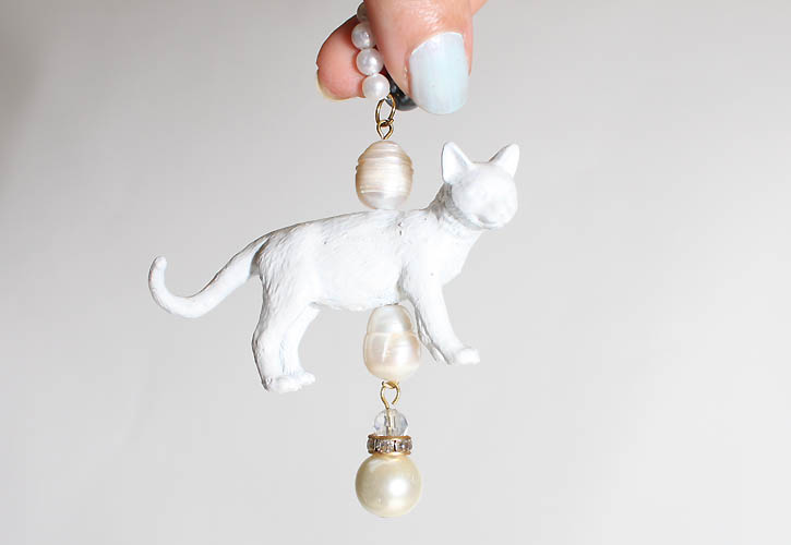 DIY Anthro-Inspired Cat Pearl Necklace