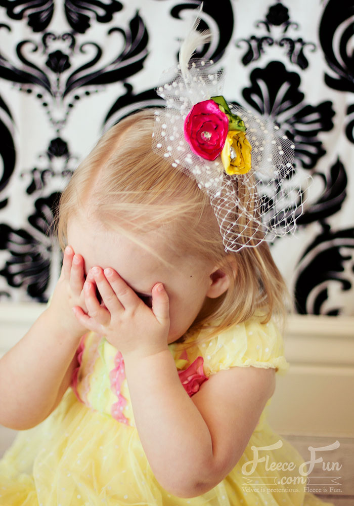 I love this cute little fascinator project! This is perfect for flower girls or Easter and it's an easy DIY!