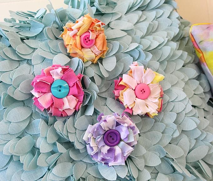 T-Shirt Flower Pins