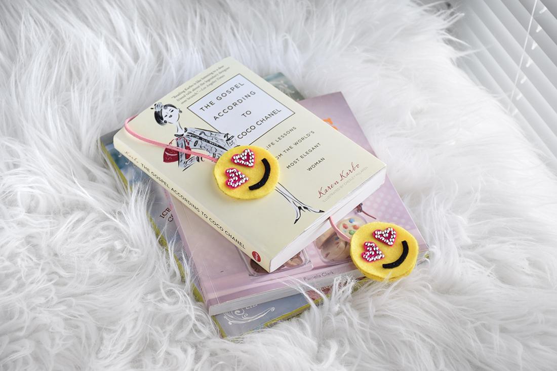 Easy Kids Craft: Emoji Felt Bookmarks - Craft Paper Scissors