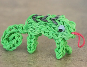 Ridiculously Cute Rainbow Loom Chameleon