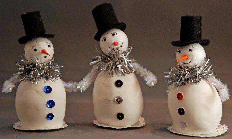 Little Standing Snowmen