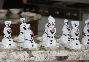 """For the First Time In Forever: """"Frozen"""" Inspired Crafts"""