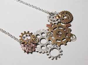 DIY Jewelry Project: DIY Steampunk Gears Necklace