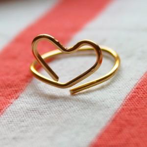 Wire Heart Midi Ring