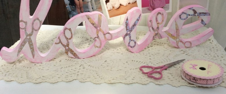 """Mother's Day Craft: Wood """"Love"""" Letter Photo Holder"""
