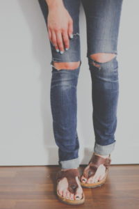 DIY Distressed Jeans