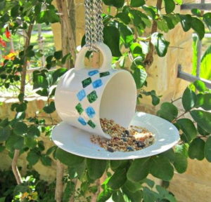 Teacup-DIY-Bird-Feeder