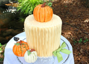 Natural and Glam Autumn Wedding Cakes