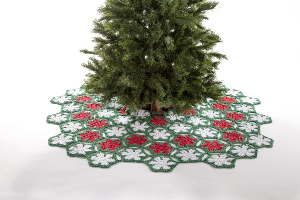 Premier poinsettia tree skirt project